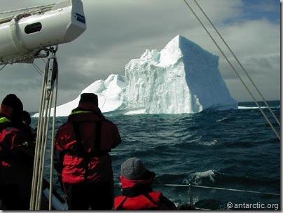 sailing_iceberg