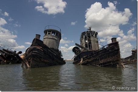 Staten Island Boat Graveyard [opacity.us]